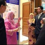 """""""@Khairykj: Diam lah, Hitam. http://t.co/DdsI3fIROn""""   Omg KJ 😹😂"""