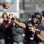 Has Oregon found a QB to replace Mariota? Eastern Wasington QB Vernon Adams Jr. the right fit: http://t.co/iN4ikYuxa1 http://t.co/TPvIlAYj1F