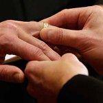 """@pulso_mx: Chile aprueba el matrimonio homosexual http://t.co/wqkfqmOiBn http://t.co/FU8i2Vfzzf"" Ya nos podemos casar, @aleband ñ.ñ #okno"