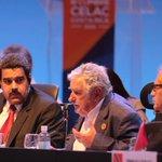 """""""Pepe Mujica: La política no es para enriquecerse y vivir mejor, sino para comprometerse con la gente #CELAC2015 http://t.co/jZER94f0o0"""""""