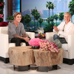 Ellens birthday gift? @JustinBieber on her couch for Thursdays show #JustinOnEllen http://t.co/9i1tDWk6Z7 http://t.co/MMfnte3JCG