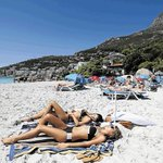 Capes sands shine silver http://t.co/VdPGn4Rsnb Cape Town has the 2nd-best beaches worldwide: National Geographic http://t.co/BAyLCwTxAO