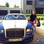 #الهلال آسحبو من هذا السباك السيارات الفخمه وعطوه شنطته وودوه للمطار هـ الهدايا كثيره عليه http://t.co/G6BMn68A5X