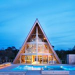 A-Frame Beach House Reinvents An Iconic 1960s Design http://t.co/meQE9Lxl0A @miqadessh http://t.co/88UZfVZRKj RT @homedit @SherryNothingam