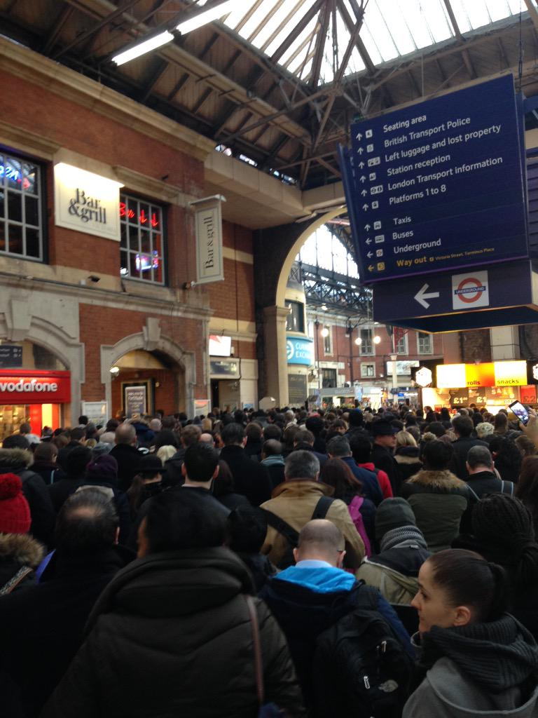 So..current situation at London Victoria station this morning...If it can be avoided, it's best to be avoided..#Mess http://t.co/T7xT9yW7S4