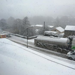 @SheffieldStar please tell people to avoid Wreakes Lane and #Dronfield the roads are really bad here #sheffieldsnow http://t.co/ZwEgngspEa