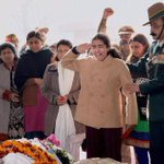 How can one not have tears in eyes reporting the last salute to brave martyr of #India. Kashmiris salute Indian Army. http://t.co/9Pq4GHI1p1