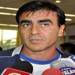 Gustavo Quinteros sería presentado el martes en la FEF como nuevo DT de Ecuador http://t.co/QxEYtkftXc http://t.co/W9f3TGGKQy