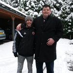 """""""@MarkLabbett: @JamesDPhipps  @SUFC_tweets helping out a blade move some cars in tbe snow http://t.co/IwAKWoX99U""""Should have buried him"""