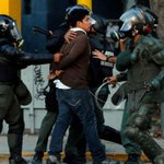 Autorizan uso de armas mortales contra protestas - http://t.co/BpasFJ4eh2 http://t.co/eMkP6RYImb