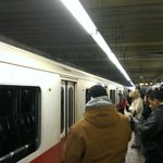 Bystanders kicked in windows to help passengers out of smoke-filled Red Line train in Quincy. http://t.co/QCJFLQLfmR http://t.co/W661xq7AfW