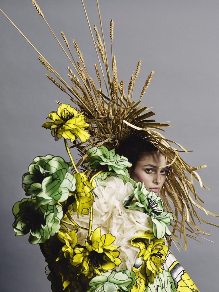 Provocative Couture - Van Gogh Girls, Haute Couture Spring/Summer 2015 <3 VR #ViktorandRolfCouture http://t.co/pagWoIt99v