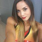 ¡También con @adrianac7tc! Hoy las redes decidirán a qué equipo irá ella. RT amarillos FAV rojos #C7meDiviertePor http://t.co/jpBQ8lTNgS