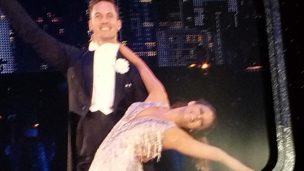 #SCDLiveTour carolibe and tristan american smooth caroline amazing dancer craig 10 camilla 10 tom 10 30/30 woohoo http://t.co/QpelcWTtNP