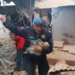 Rescata policía a bebé, entre los escombros del Hospital Materno en Cuajimalpa http://t.co/PlzFBgDZRM http://t.co/l0B4Wz4XgJ