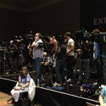 Insane number of cameras at this #SuperBowl entertainers presser. @katyperry & @idinamenzel must be a big deal. #kxly http://t.co/JFmAUrIvub