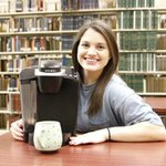 "The reason every college human is currently OBSESSED with ""Keurig Girl"" http://t.co/UNABU9vmiw http://t.co/3jgRddAHve"