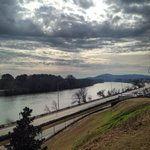 50° in Gadsden . Always nice to see the Coosa River here in Etowah co. #alwx @WIAT42 http://t.co/w0M8mFlmGY