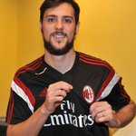 .@MDestroOfficial is undergoing the medical tests... stay tuned! / Mattia #Destro alle prese con le visite mediche... http://t.co/HXXab3tXPD