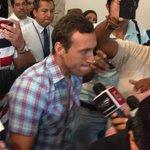 Ya está en Guayaquil el nuevo jugador del @BarcelonaSCweb @BrahianBa #BrahianAleman CC @marcadorec foto @CarBaRi http://t.co/9gOwIumjlg