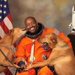 """Check out #Lynchburg s Leland Melvin @Astro_Flow & his viral @NASA portrait! """"@BuzzFeed http://t.co/1Brqi6efSq http://t.co/uD06mC5kco"""""""