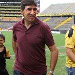 Gustavo Costas candidato para ser entrenador de la selección de Costa Rica http://t.co/HA0Wp0wQ4x http://t.co/9EHem88U4h
