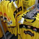 Ya a la venta la nueva Camiseta del @BarcelonaSCweb en las Tiendas deportivas de @marathonsports_ http://t.co/VHXDHbzHJx