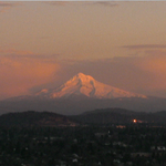 Check out Mt. Hood! What a beautiful end to the day. Friday, here we come!! #pdx #orwx #sunset #PNW #koin6news http://t.co/tkmgWKN87p