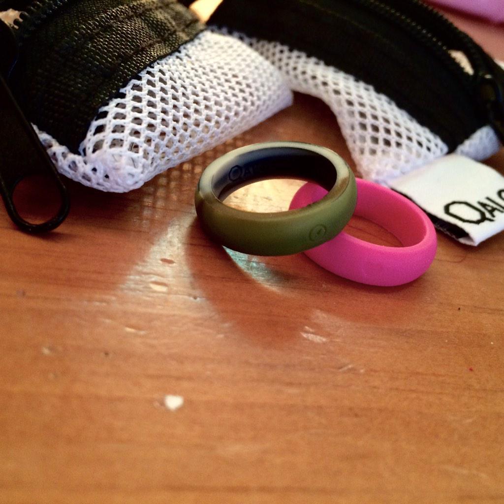 #GIVEAWAY - women's size 6 @QALORing 1 Camo 1 Pink. 2 Winners. RT to Enter. http://t.co/zcdWZmhonA