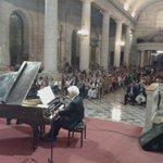 #LaSerenaesVerano Tito Beltrán y Roberto Bravo deleitan a los serenenses y visitantes que repletan la Catedral http://t.co/sDTgJsVJ0W
