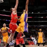 .@Lakers shake off rough stretch in regulation, defeat @ChicagoBulls 123-118 in 2OT. http://t.co/iGMsvZu2iH
