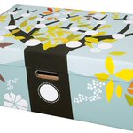 """Why Finnish babies sleep in cardboard boxes""-BBC:n kaikkien aikojen somehitti #äitiyspakkaus  http://t.co/qnCEWye8qg http://t.co/IjMcQx8cZF"