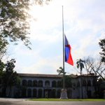 PHOTO: PH flag in front of Malacañan Palaces Kalayaan Hall flying at half-mast, in honor of the fallen SAF heroes. http://t.co/TbA3KILRi8