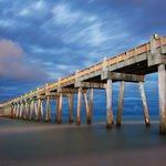 """@BeautifulPcola: The Pensacola Beach Pier at Night. #longexposure http://t.co/VbkWqpGxTe"" Das Us ????"
