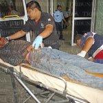Baleado en Ciudad del #Carmen sigue en coma. http://t.co/J3jze5cUut / Los hechos: http://t.co/CKBnkowh0e http://t.co/BsfWMGzj4P