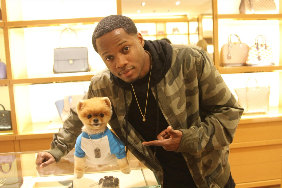"Ran into my ""dog"" @jiffpom today at the #LouisVuitton Event for #SuperBowlXLIX http://t.co/SN7BruquSf"
