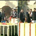 Congress President Sonia Gandhi pays tribute to Mahatma Gandhi at Rajghat http://t.co/2Dd6WdJiyr