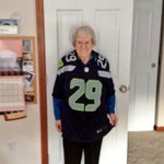 My 96 Year old Grandma said @MoneyLynch should be able to grab himself if he wants to. He isnt grabbing anyone else http://t.co/OZTeUyYWs3