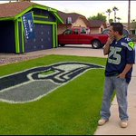 Arizona man paints house, lawn to honor #Seahawks http://t.co/3GqGIFxEaS http://t.co/JMKNQ7fdqu