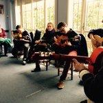 Los alumnos del #AuladelaExperiencia en #Carmona de @unisevilla en clase de #EduardoRebollar @IAFlamenco @laBienal http://t.co/H4Yat7vxZz