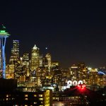 Seattle & the 12s are getting ready for a big, bad, blue Friday @space_needle #seattle #GoHawks Tonite at Kerry Park http://t.co/RvMUtehFRG