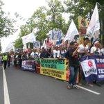 Menuju DPRD Bali tmptnya orang2 yg katany wakil rakyat, masak sih? #FTG #TolakReklamasiBerkedokRevitalisasiTelukBenoa http://t.co/uJE9kjgUgf
