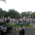Sudah sampe di rumah rakyat DPRD Bali, mana nih wakil rakyatny. Tidur ? #TolakReklamasiBerkedokRevitalisasiTelukBenoa http://t.co/ZdbZrgx1IT