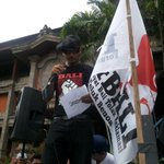 Woyoooo Speaker Separatis @SoundbwoyDodix feat @JRX_SID #TolakReklamasiBerkedokRevitalisasiTelukBenoa http://t.co/lQbMGBvWDN
