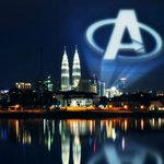 "Stunning. @Marvels ""Avengers: Age of Ultron"" - KL https://t.co/wB6nUDI9TR http://t.co/Q7shQ8p2dK"