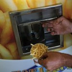 Hot chip vending machine created by company that believed it could fry http://t.co/6vB1ITME0w http://t.co/PdRXh472PO
