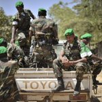 African Union calls for 7,500-strong force to fight Boko Haram http://t.co/Mu25XwhqxE http://t.co/hb289Z6SZe