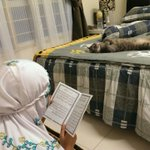 """@Uyushh: Baca yassin untuk yang buat buat mati. http://t.co/RzhN0GgoNx"" HAHAHAHAHAH SO CUTE THE KITTY"