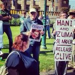 """Lmao """"@C_phosihle: Nazo ke.....reconciliation nton nton! #parole #ApartheidParole #apartheid http://t.co/uke4qxxXQq"""""""