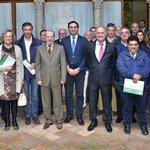 Entregados los nuevos planes de emergencia a 24 municipios de #Sevillahoy http://t.co/mGA691f9ty http://t.co/8WNdC3Ndp2